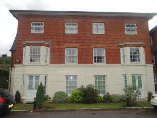 2 Bedrooms Retirement Property for sale in Barton Mill Court, Station Road West, Canterbury, Kent