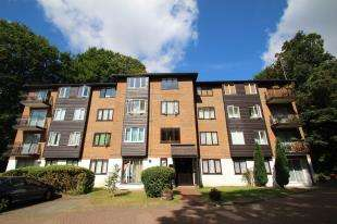 1 Bedroom Flat for sale in Steep Hill, Croydon, Surrey
