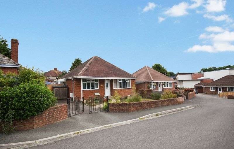 2 Bedrooms Detached Bungalow for sale in Westbourne Close, Yeovil
