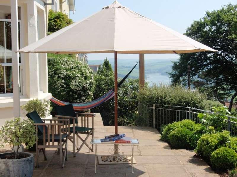 3 Bedrooms Apartment Flat for sale in Flat 1, Woodgrange, Devon Road, Salcombe