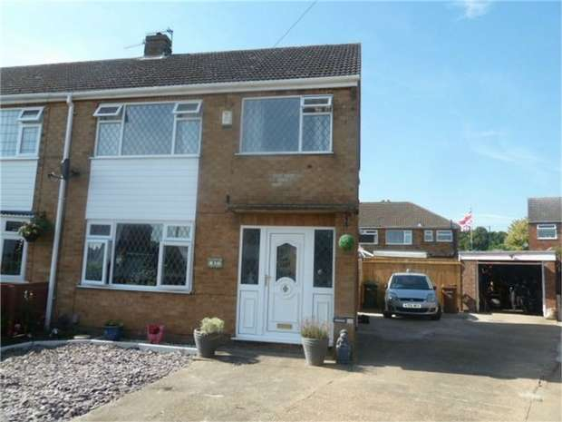 3 Bedrooms Semi Detached House for sale in Ancaster Avenue, Grimsby, Lincolnshire
