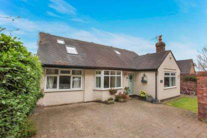 4 Bedrooms Detached House for sale in Middlewalk, Bellemonte Road, Frodsham, Cheshire, WA6