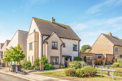 6 Bedrooms Detached House for sale in Saxon Lane, Upton, Northampton, Northamptonshire