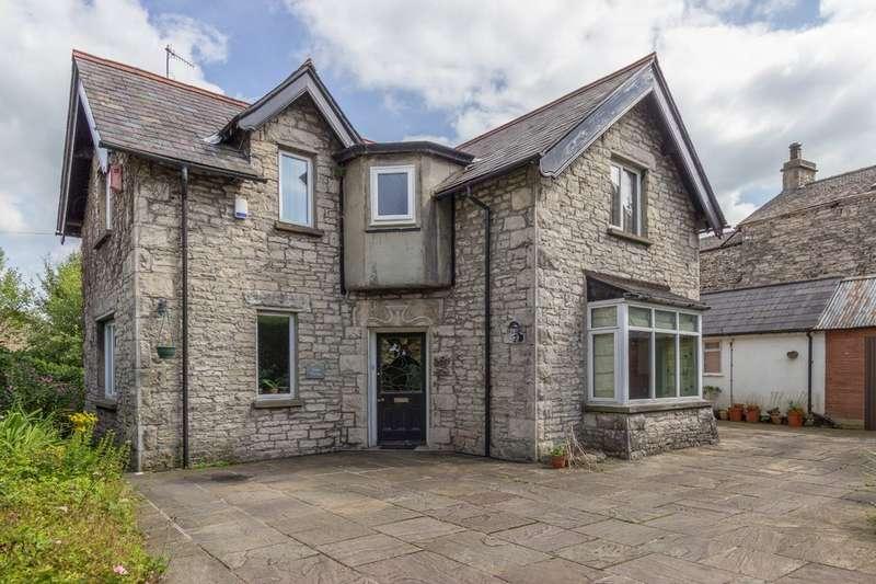3 Bedrooms Detached House for sale in Clyde Cottage, Yard 143 Stricklandgate, Kendal