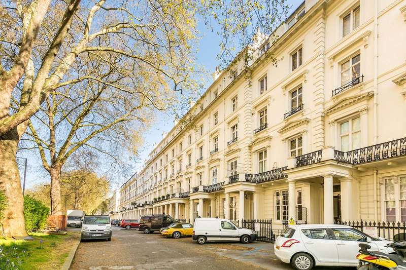 2 Bedrooms Flat for sale in Westbourne Terrace, Lancaster Gate, W2