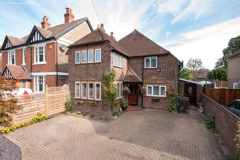 3 Bedrooms Detached House for sale in Ringley Avenue, Horley, RH6