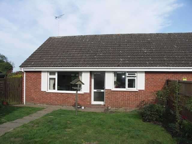 2 Bedrooms Bungalow for sale in Felmingham, North Walsham, Norfolk, NR28