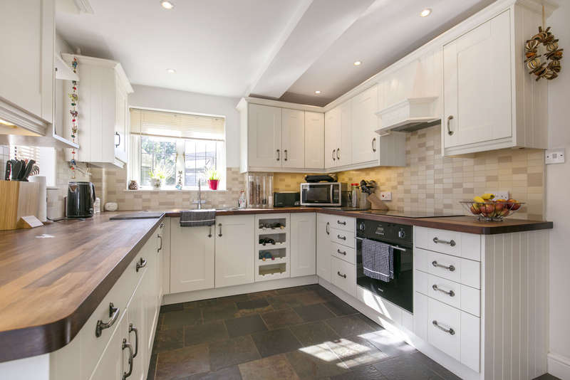3 Bedrooms Semi Detached House for sale in Western Road, Silver End, Witham, Essex, CM8