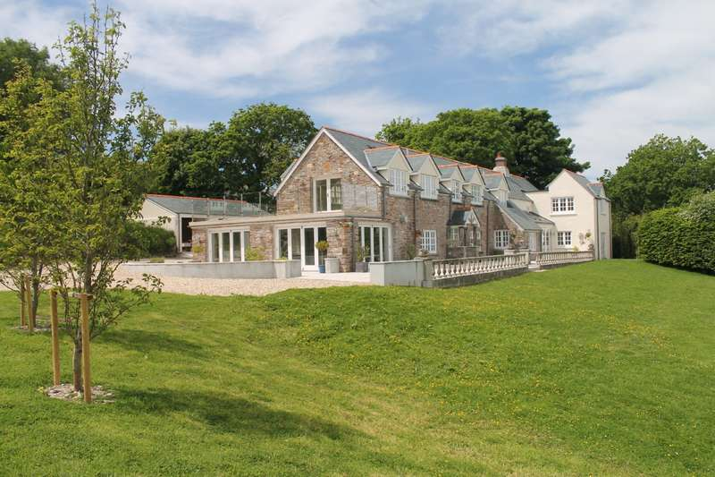 5 Bedrooms Detached House for sale in Long Easton, Bigbury, Kingsbridge