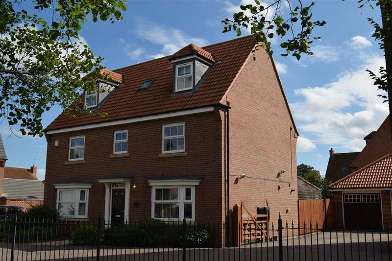 6 Bedrooms Detached House for sale in Dale Way, Fernwood, Newark