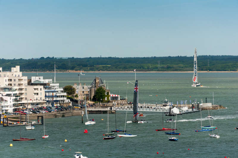 3 Bedrooms Flat for sale in East Cowes, Isle Of Wight