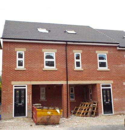3 Bedrooms Town House for sale in West Avenue, Derby