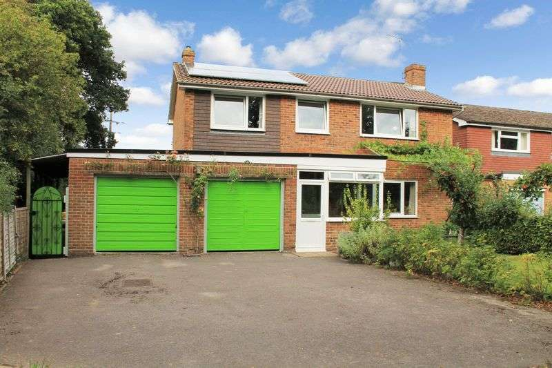 4 Bedrooms Detached House for sale in Herons Close, Kirdford
