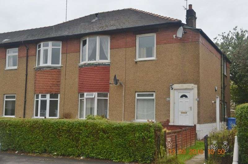 3 Bedrooms Flat for sale in Monifieth Avenue, Glasgow