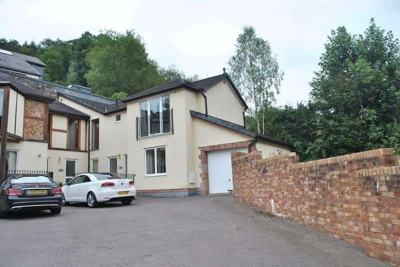 2 Bedrooms Terraced House for sale in Redbrook, Monmouthshire