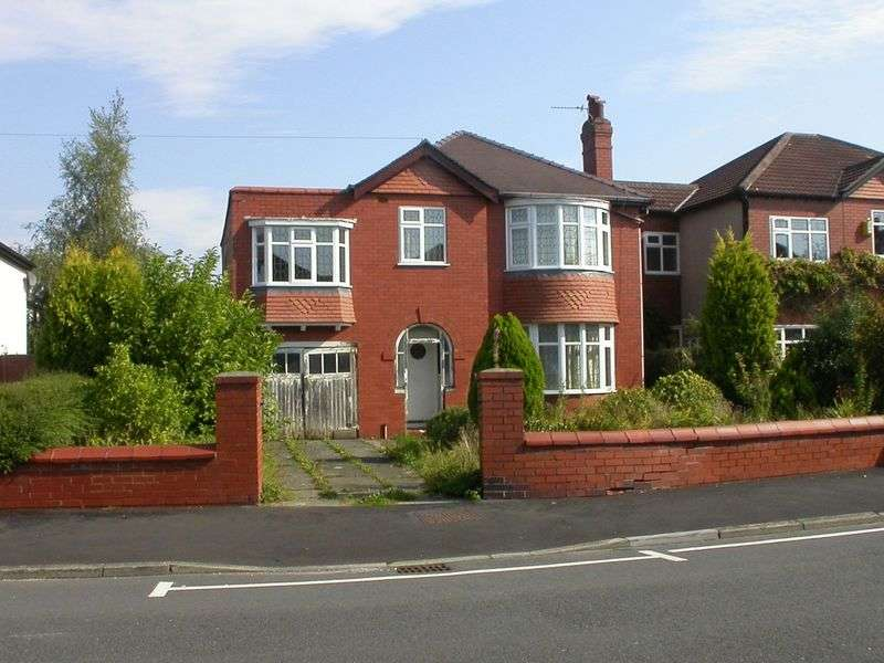 5 Bedrooms Detached House for sale in CHEADLE HULME (QUEENS ROAD)