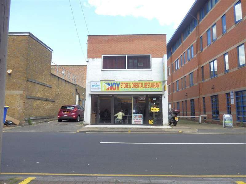 1 Bedroom Commercial Property for sale in Douglas Road, Hounslow, London, TW3