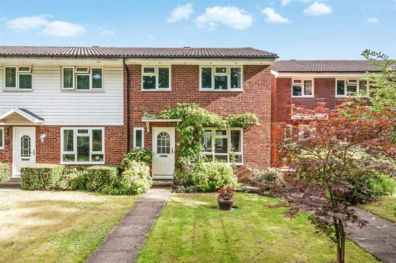 3 Bedrooms End Of Terrace House for sale in Chester Close, Dorking, RH4