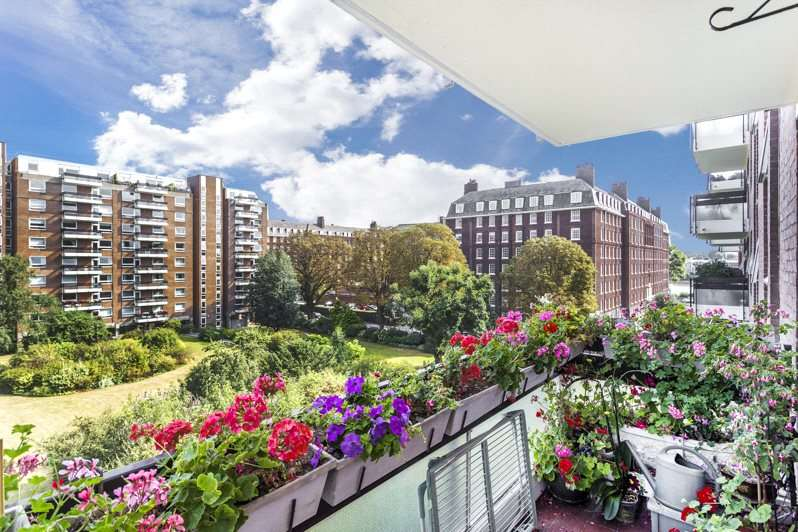 2 Bedrooms Flat for sale in Napier Court, Ranelagh Gardens, Hurlingham, Fulham, SW6