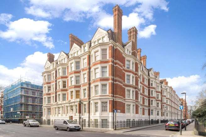 4 Bedrooms Apartment Flat for sale in Ridgmount Gardens, London, WC1E