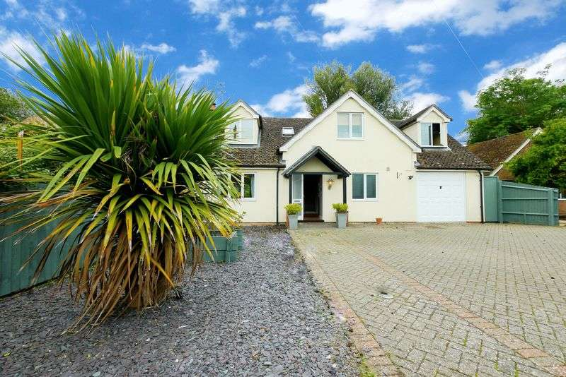 4 Bedrooms Semi Detached House for sale in CHALGROVE