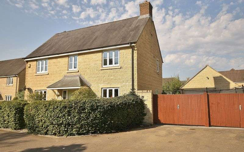 5 Bedrooms Detached House for sale in MADLEY BROOK LANE, Madley Park, Witney OX28 1BB