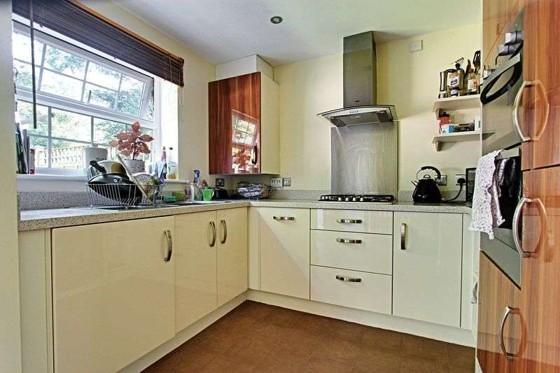 4 Bedrooms Terraced House for sale in Cleminson Gardens, Cottingham