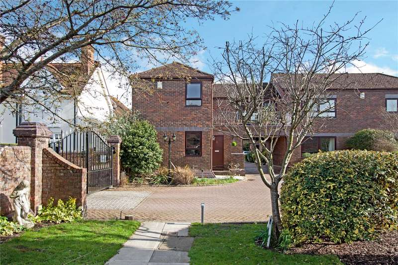 3 Bedrooms Terraced House for sale in Rivermead Court, Marlow Bridge Lane, Marlow, Buckinghamshire, SL7