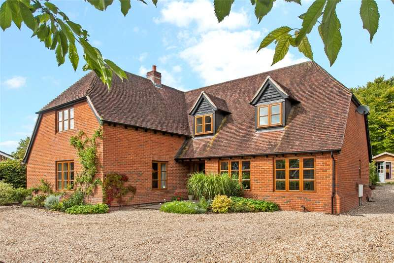 4 Bedrooms Detached House for sale in Peach Grove, Palestine, Andover, Hampshire, SP11