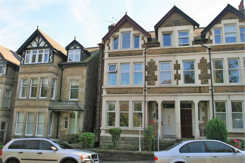2 Bedrooms Apartment Flat for sale in 27 Harlow Moor Drive, overlooking the Valley Gardens, Harrogate HG2 0JY