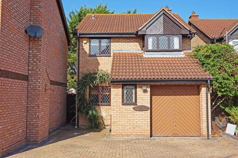 4 Bedrooms Detached House for sale in Tyne Park, Blackbrook, Taunton