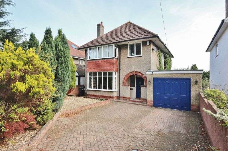 4 Bedrooms Detached House for sale in Harewood Avenue, Boscombe East
