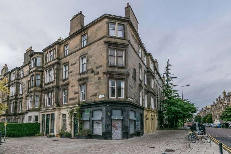 3 Bedrooms Flat for sale in 1F2, 4 Hillside Street, Hillside, Edinburgh, EH7 5HB