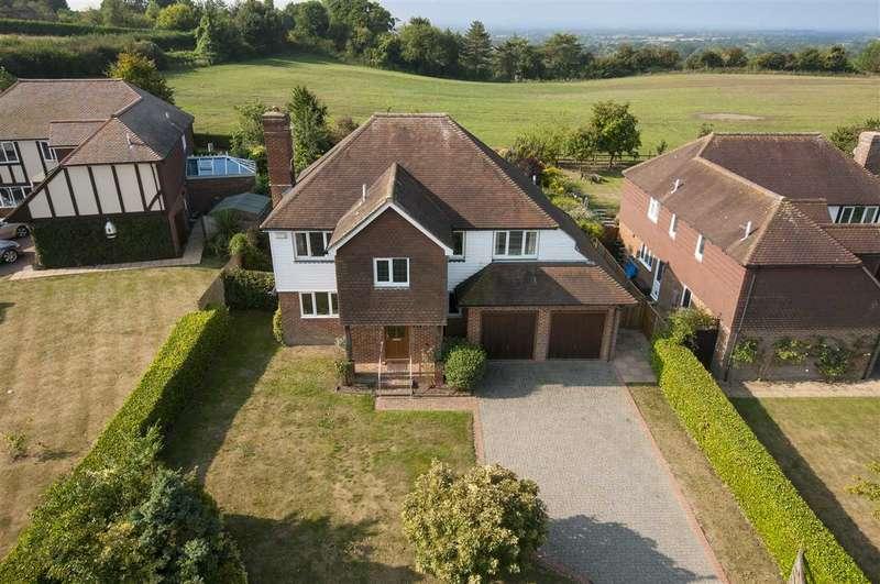 4 Bedrooms Detached House for sale in Harmers Way, Egerton