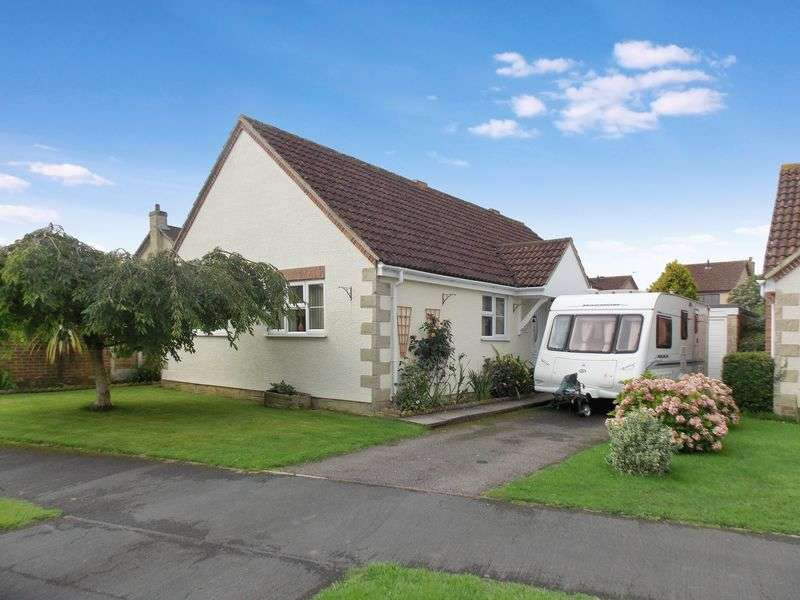 3 Bedrooms Detached Bungalow for sale in Churchward Drive, Frome