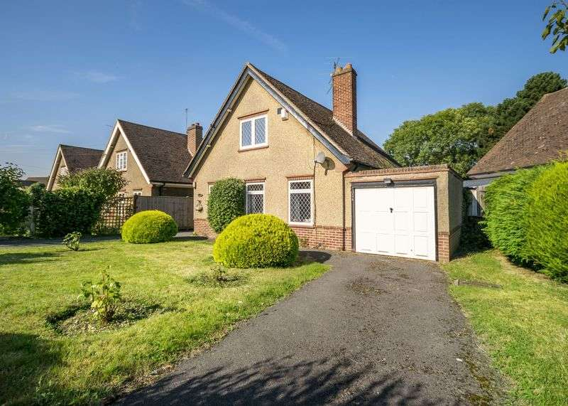 3 Bedrooms Detached House for sale in Barnsdale Road, Reading