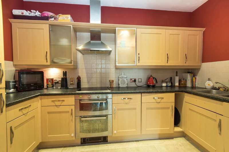2 Bedrooms Flat for sale in London Road, St Albans, Hertfordshire, AL1
