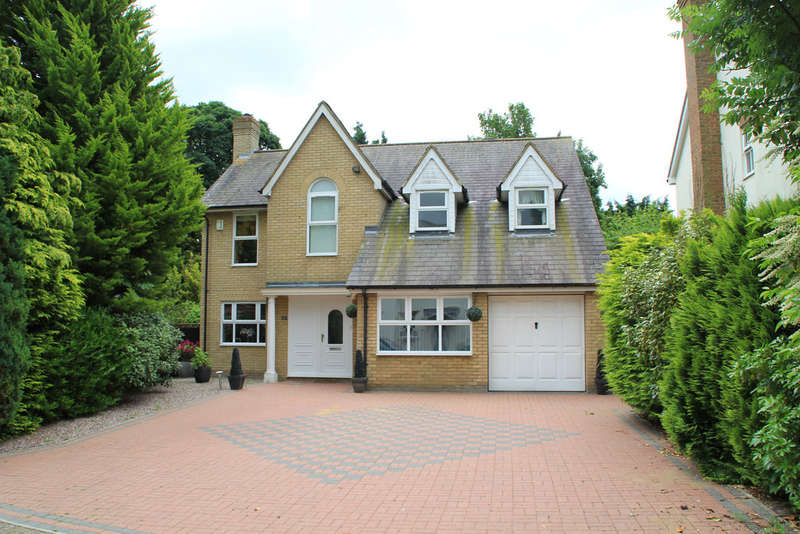 4 Bedrooms Detached House for sale in Palace Gardens