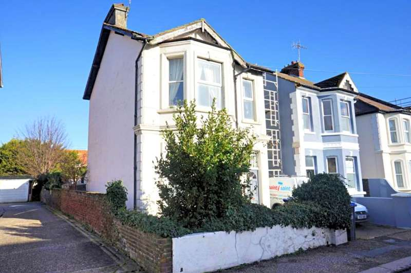 2 Bedrooms Apartment Flat for sale in Tarring Road, Worthing, West Sussex, BN11