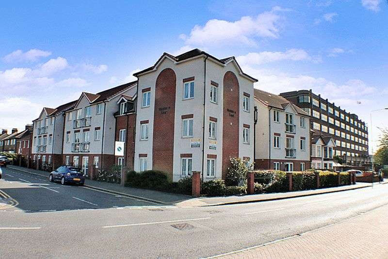 1 Bedroom Retirement Property for sale in Myddleton Court, Hornchurch, RM11 1GL