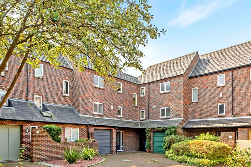 4 Bedrooms Terraced House for sale in Dale Close, Oxford, Oxfordshire, OX1