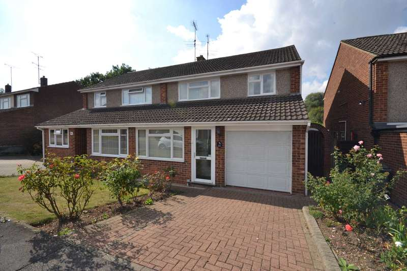 3 Bedrooms Semi Detached House for sale in Chichester Drive, Chelmsford