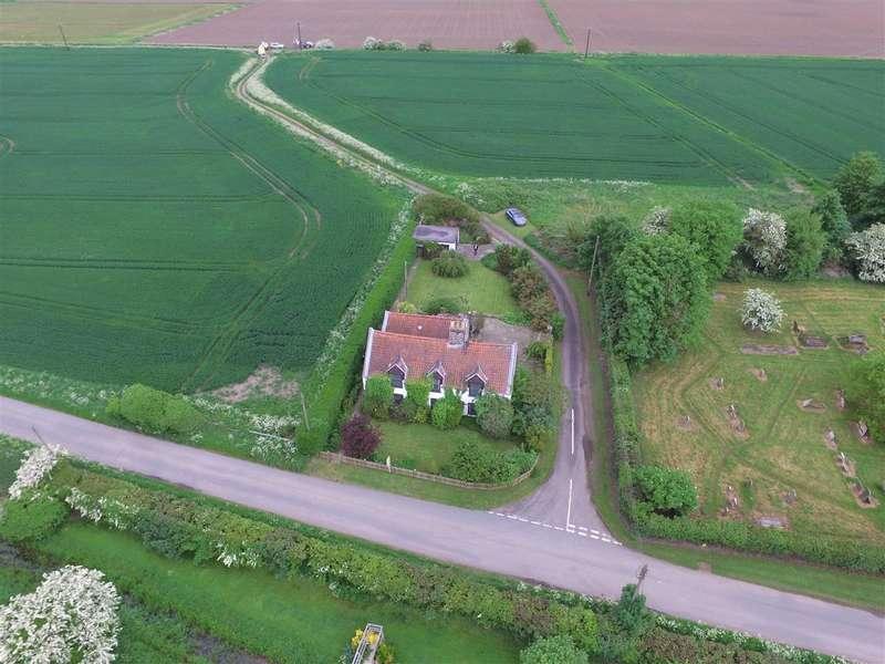 4 Bedrooms Detached House for sale in Bank House, Wainfleet Bank, Wainfleet, Skegness