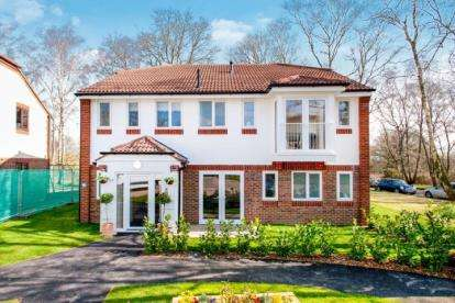 1 Bedroom Flat for sale in Forest Road, Denmead, Hampshire