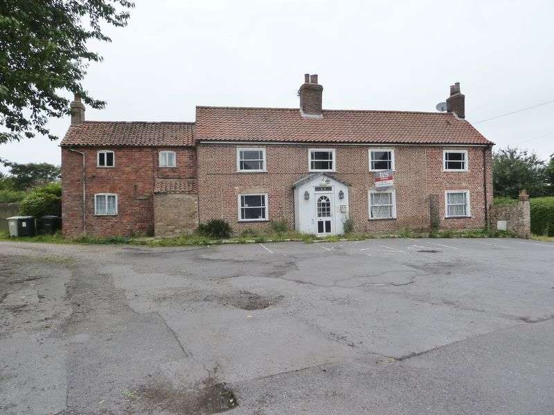 3 Bedrooms Property for sale in Beesby Road, Alford