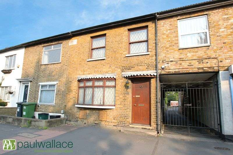 3 Bedrooms Terraced House for sale in Crossbrook Street, Cheshunt