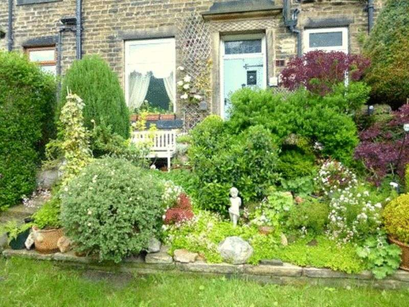 3 Bedrooms Terraced House for sale in Calder View, Todmorden