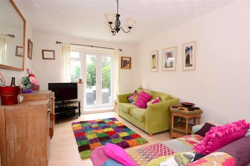 4 Bedrooms Bungalow for sale in Founthill Avenue, Saltdean, Brighton, East Sussex