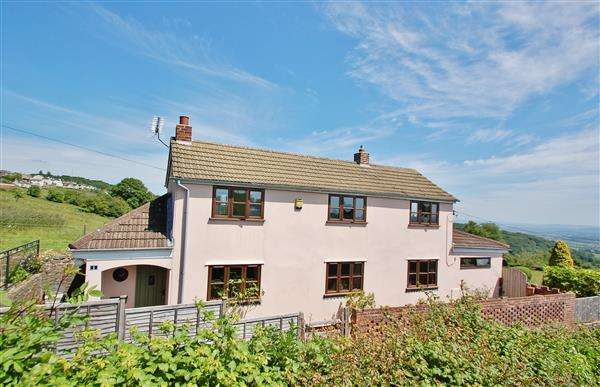 3 Bedrooms Detached House for sale in REDDINGS LANE, LITTLEDEAN
