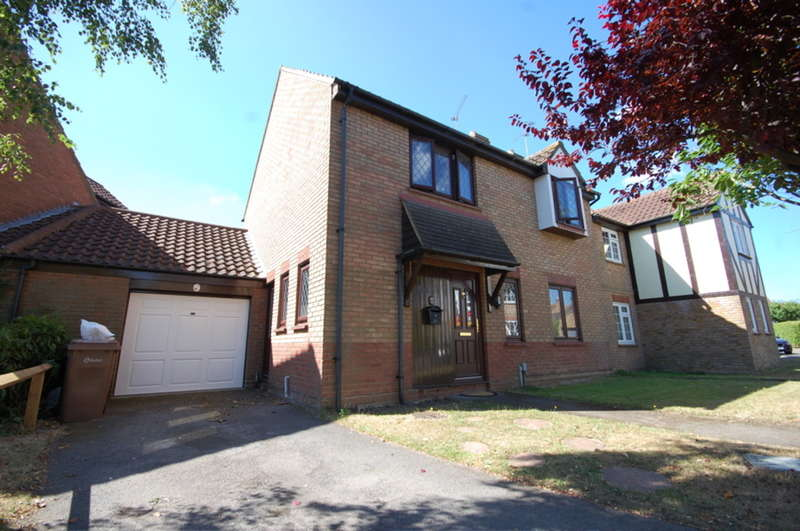 4 Bedrooms Detached House for sale in Palmers Croft, Chelmer Village, Chelmsford, CM2